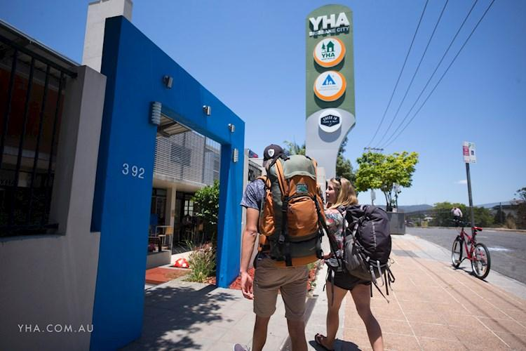 Brisbane City YHA - Entrance