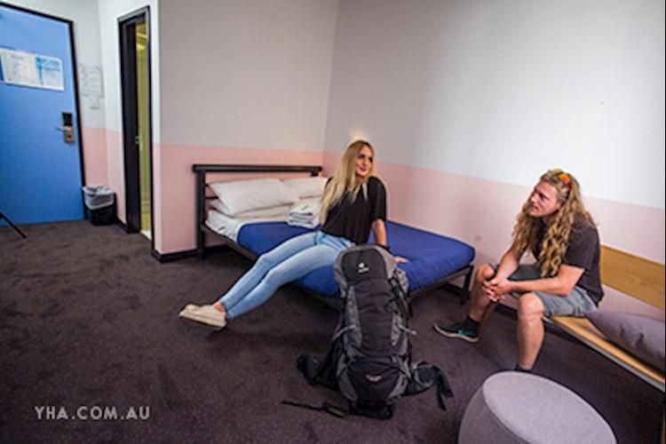 Sydney Central YHA - Double Ensuite Room